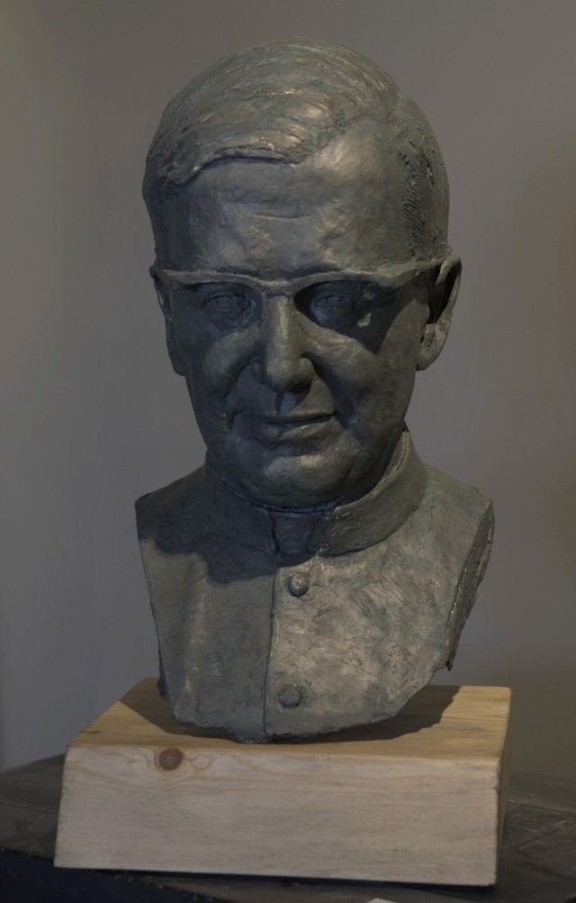 Rebeca Muñoz Carrilero - Art Work - bust of St. Josemaria